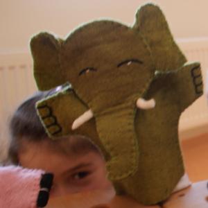 Filz-Handpuppe Elefant für Kinder aus dem Waldkindergarten