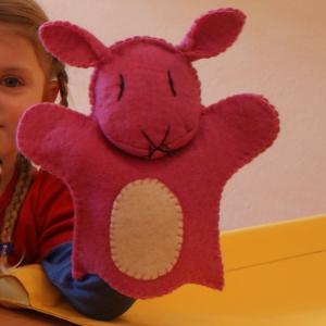 Filz Handpuppe Hase für Kinder aus dem Waldkindergarten