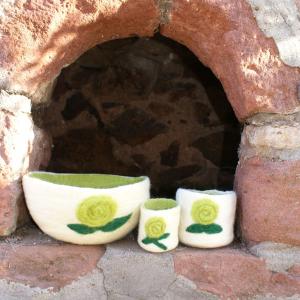 3 Filz-Schalen mit grüner Blume für die Waldkindergarten-Familie